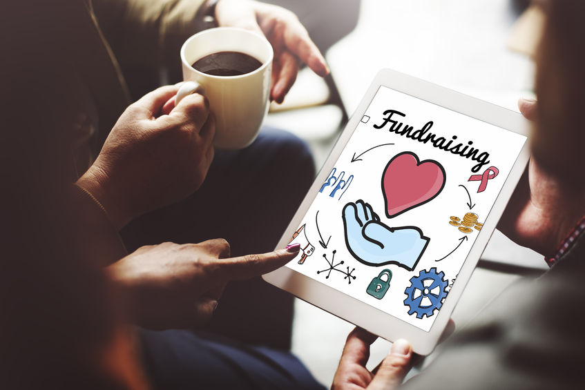 """Facebook, tutti gli strumenti per fare e far fare """"beneficenza"""""""